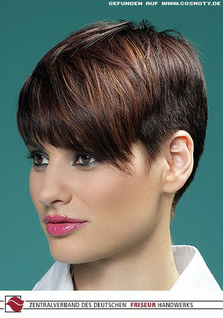 On the other hand, men with round or oblong faces might want to choose another haircut since the undercut is a rounder, smoother style. Undercut frisuren kurze haare