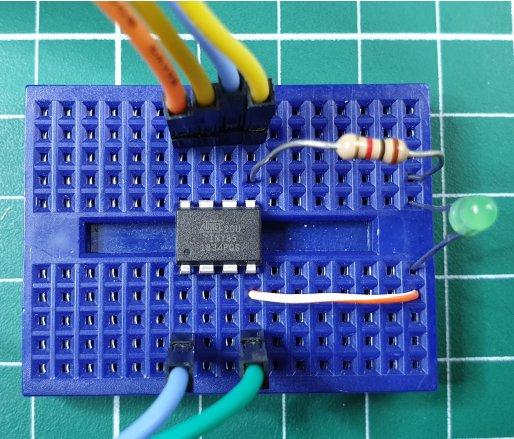 ATTiny85 test circuit