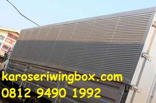 Dinding samping karoseri wingbox Isuzu Giga FVM34W