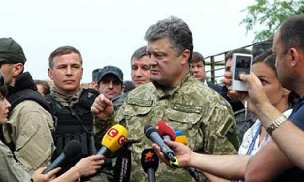 Porosenko állítja: életveszélybe került az orosz katonák által megszállt Krímben