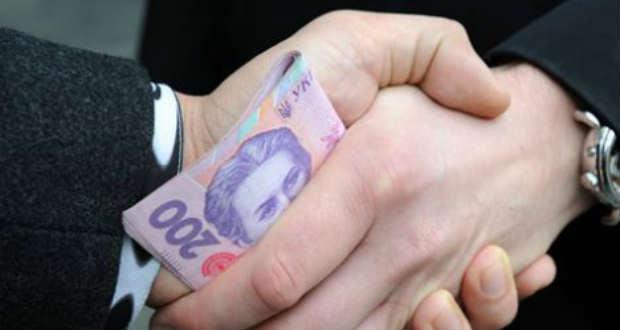 Korrupció miatt jelentették fel az Ungvári Városi Tanács egyik tisztviselőjét