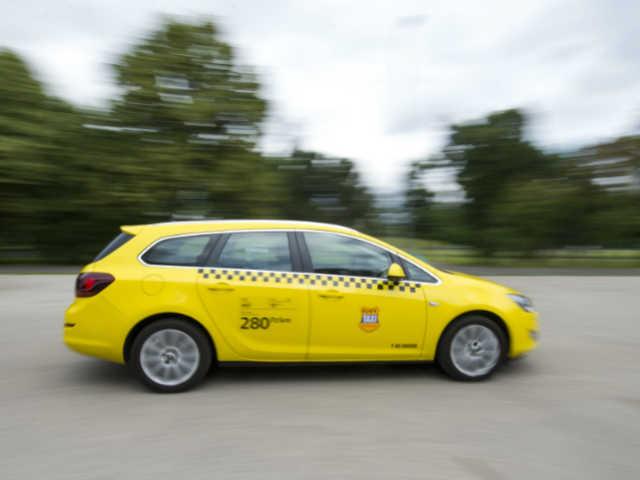 taxi 001.sarga magyar