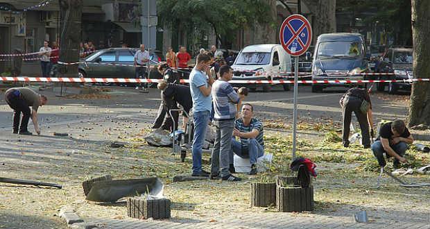 Nagy erejű pokolgép robbant az ukrán titkosszolgálat odesszai épülete előtt