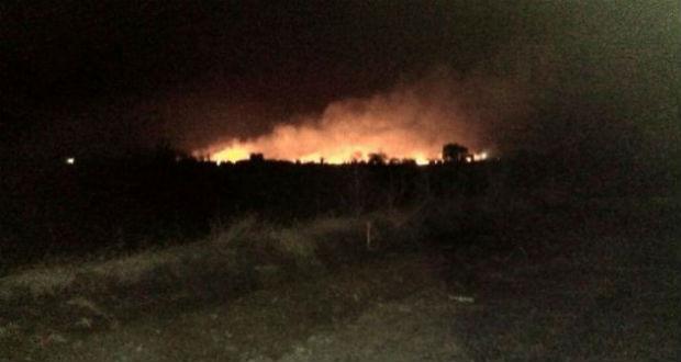 Tűz ütött ki India legnagyobb fegyverraktárában