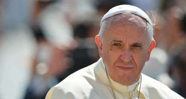"""Ferenc pápa aggódik a nagyhatalmak közötti """"veszélyes"""" szövetségek miatt"""