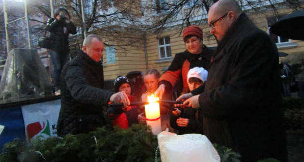 Бо віра залишається… Запалювання Адвентської свічки в Берегові