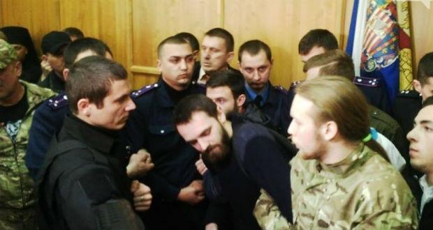 Papok és katonák verekedtek össze az Ungvári Városi Tanács ülésén