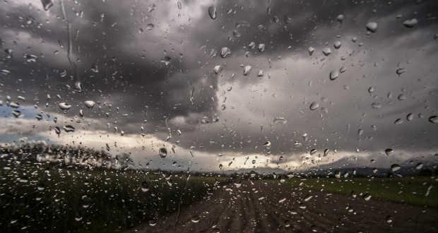 Halálos áldozatokat követelő tornádók és esőzések pusztítanak az Egyesült Államokban