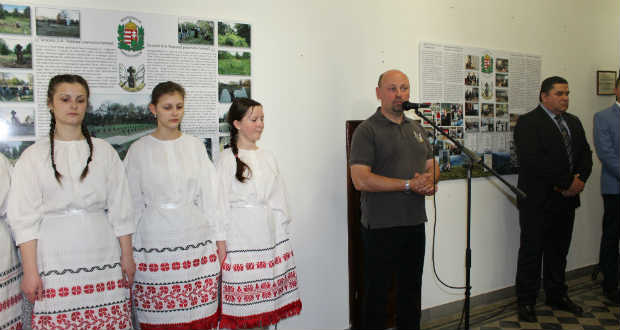 A Vigyázók fotókiállítása a Rákóczi-főiskolán