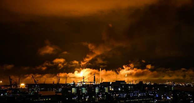Tűz ütött ki Európa legnagyobb olajfinomítójában
