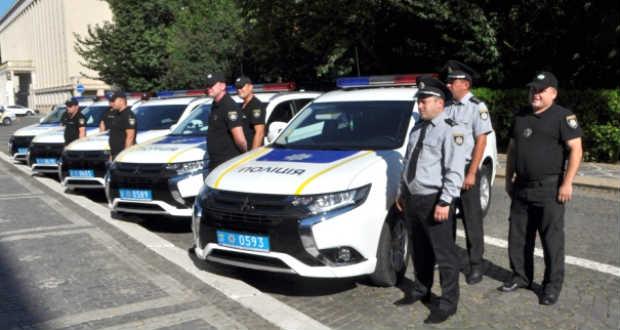 Megkapták az első testkamerákat a kárpátaljai rendőrök