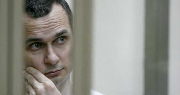 Nobel békedíjra jelölte a kijevi parlament az éhségsztrájkoló filmrendezőt
