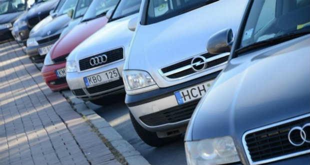 A külföldi regisztrációjú autók tulajdonosaival tárgyalt Kárpátalja kormányzója