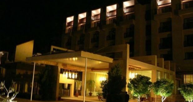 Luxusszállodára támadtak fegyveresek Pakisztánban