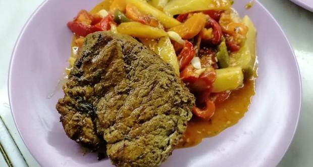 Borjú steak zöldségraguval
