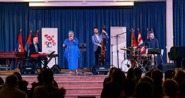 Slágerek, ahogy még nem hallottuk – Jazzkívánságműsor Beregszászban