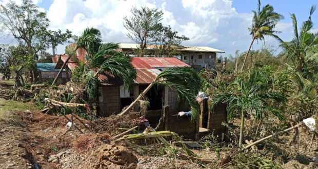 Eddig 28 halálos áldozata van a Phanfone tájfunnak a Fülöp-szigeteken