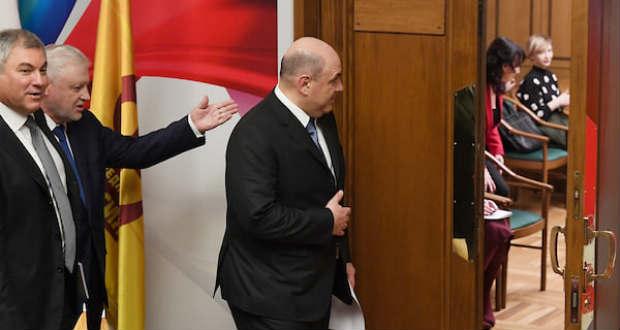 Bemutatta régi-új kormányát az új orosz miniszterelnök