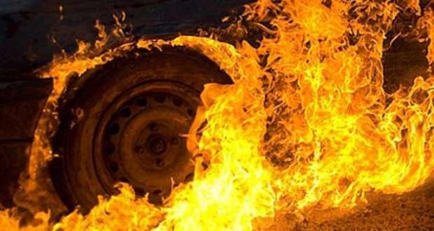 Kiégett egy autó Huszton