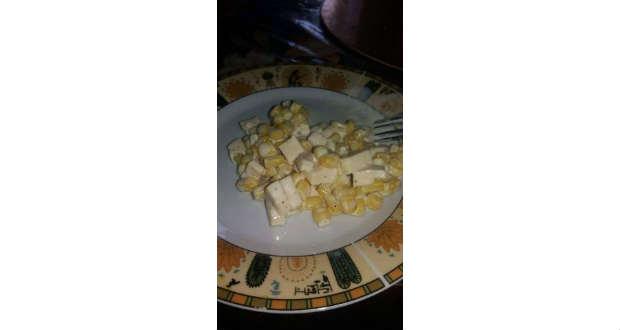 Kukoricasaláta sajttal és snidlinggel