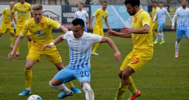 Döntetlen a minaji rangadón, Dinamo-vereség Csernyihivben