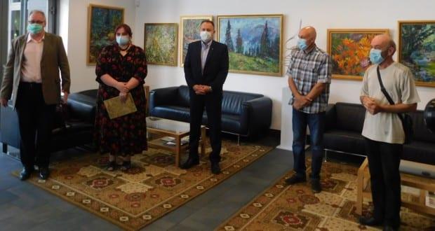 Rendhagyó kiállítás nyílt az ungvári konzulátuson