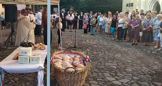 Szent István-napi megemlékezés és kenyéráldás Beregszászban