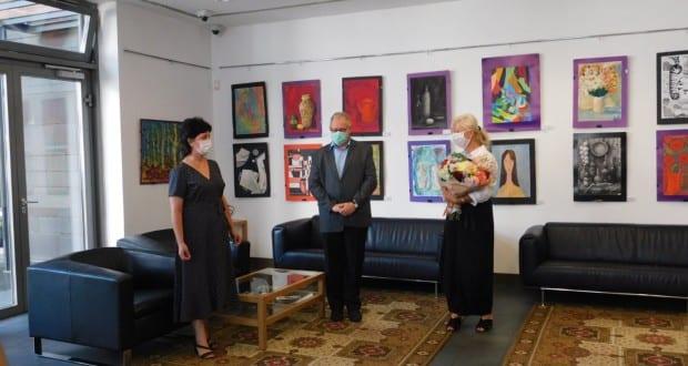Fiatal tehetségek képeiből nyílt kiállítás Ungváron