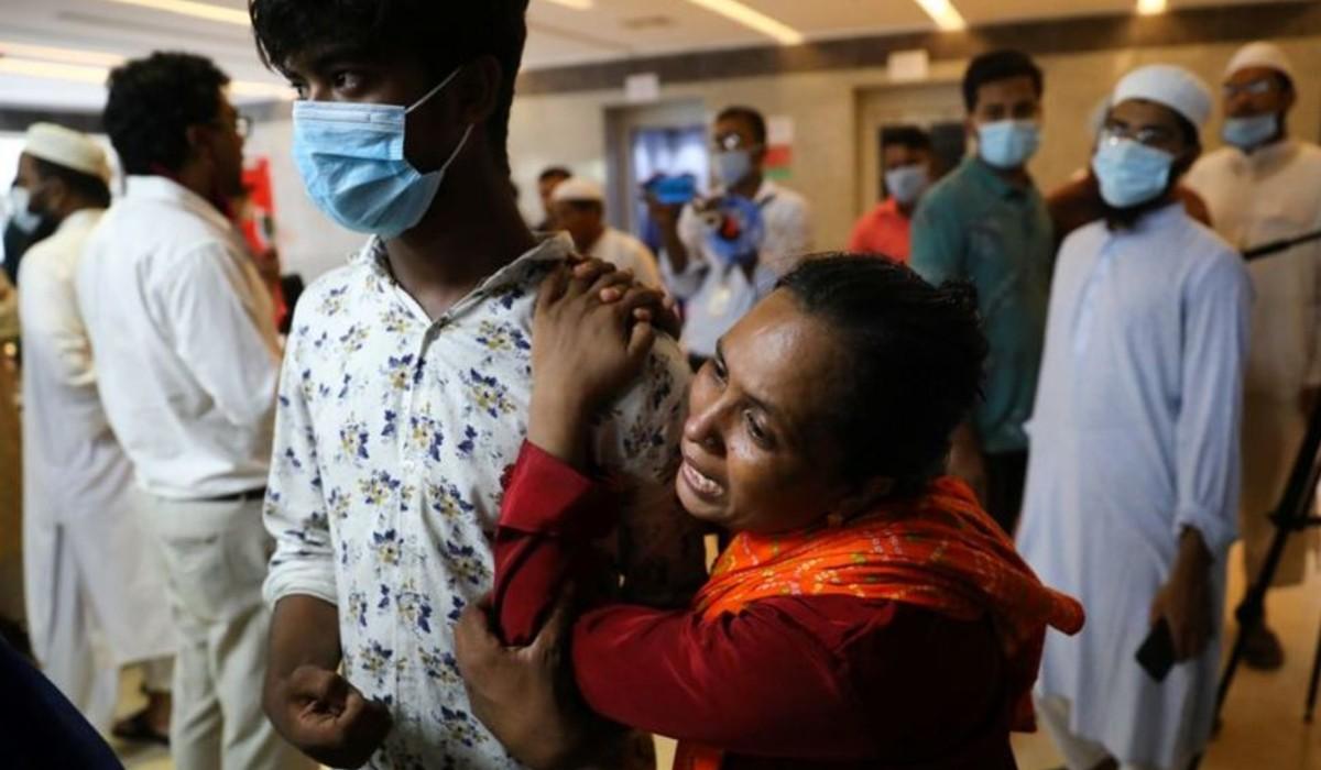 síró nő,Banglades,tűzeset