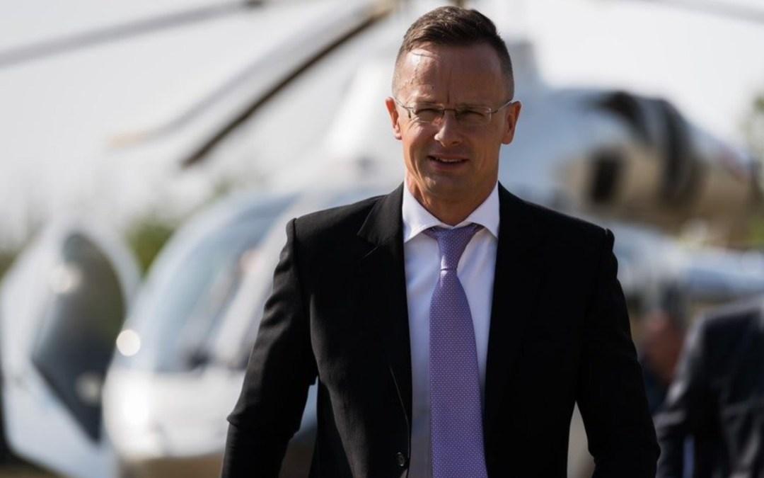 Szijjártó: ne dönthessenek a kárpátaljai magyarokról a kárpátaljai magyarok nélkül