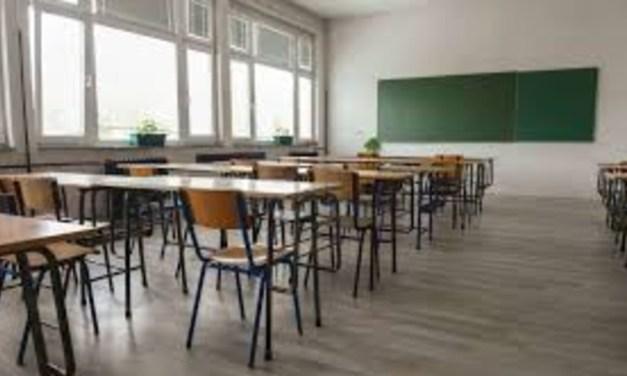 Visszatérnek a hagyományos oktatásra az alsó tagozatosok és a kibocsátó osztályok Ungváron