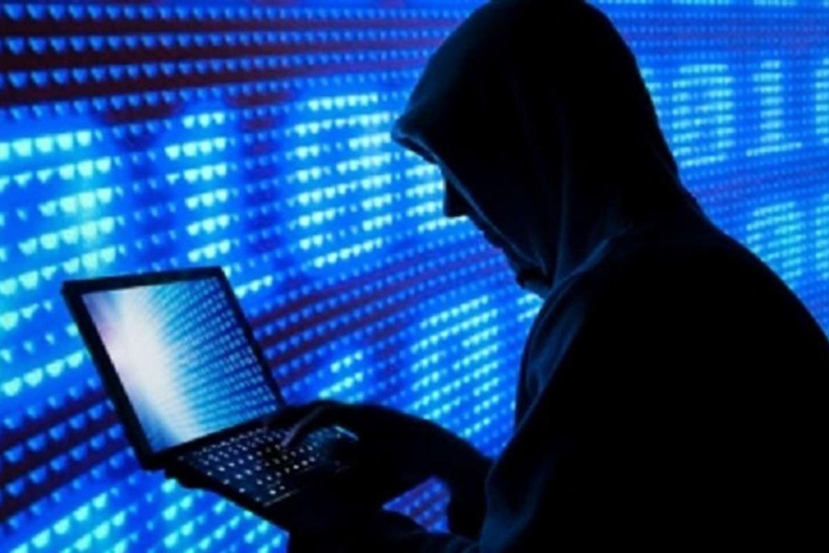 kibertámadás laptop hacker