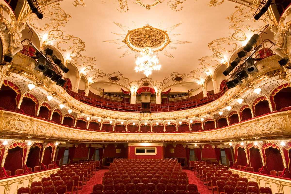 Nagyváradi színház