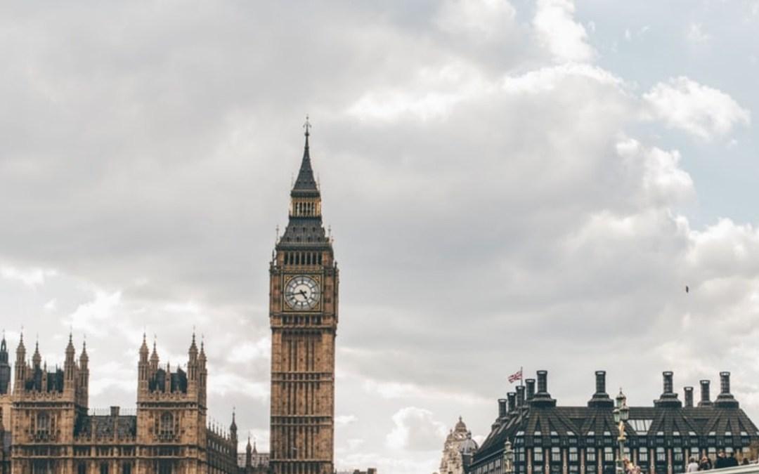 Enyhítenek a beutazási szabályokon Angliában