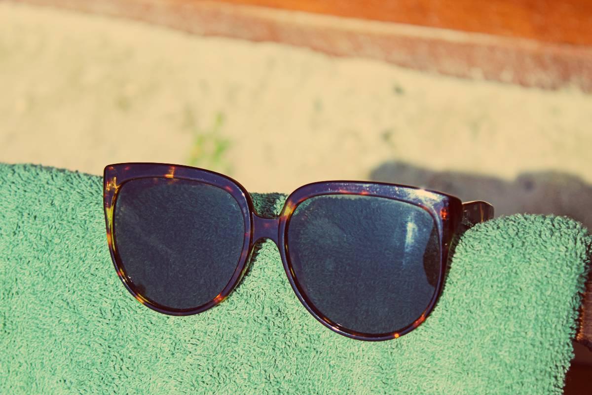 napszemüveg nyár törülköző strand