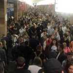 В Киеве закрывали пять станций метро из-за падения женщины на рельсы