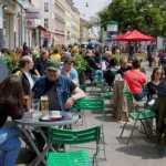 В Польше послабили карантин: впервые за полгода открылись бары и рестораны