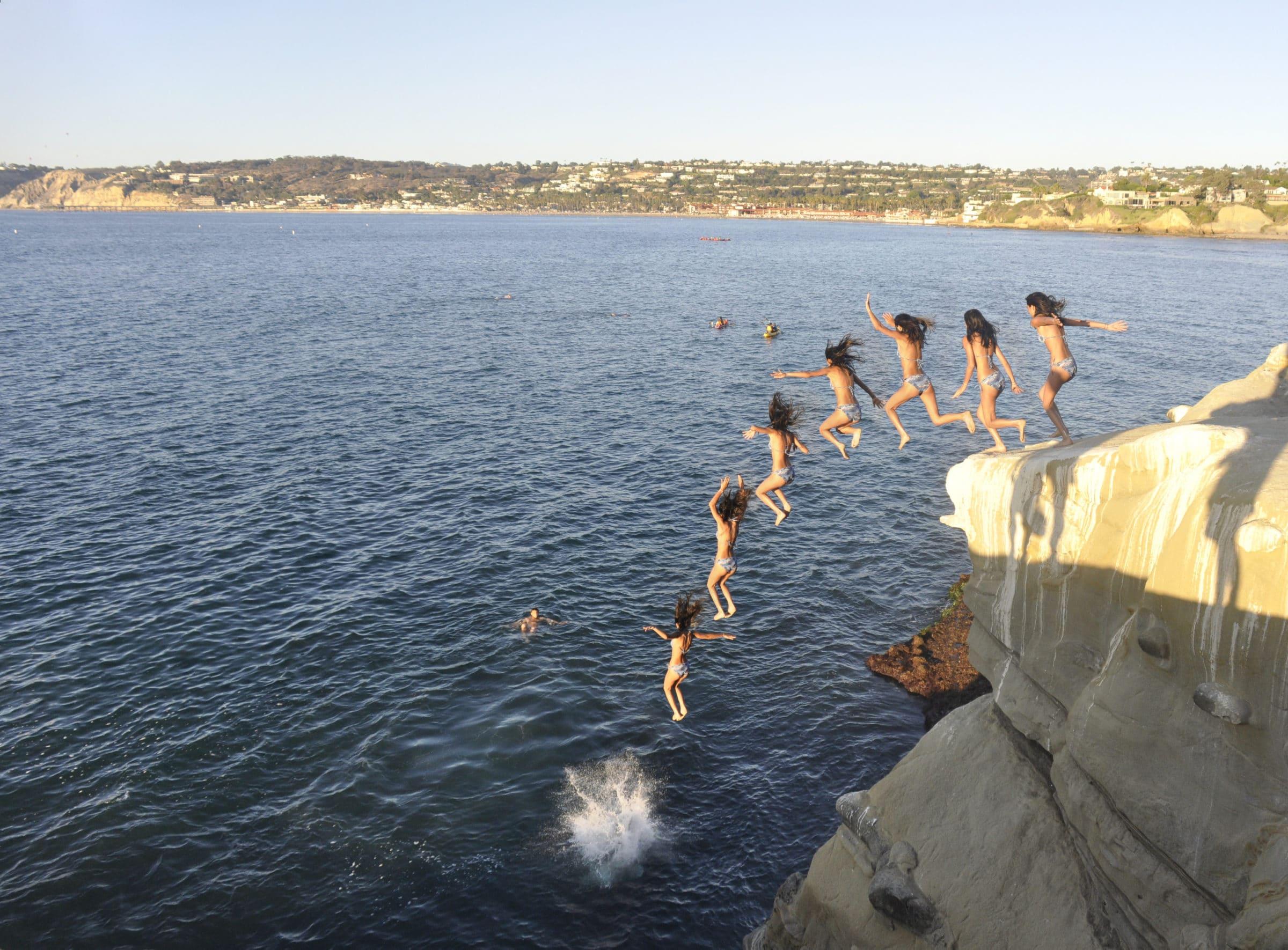 La_Jolla_Cove_cliff_diving