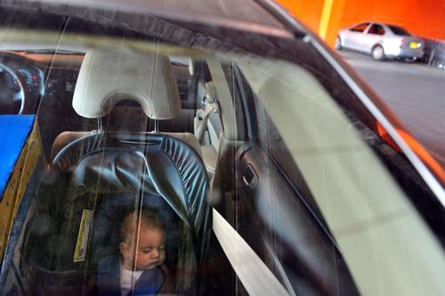 baby left in hot car