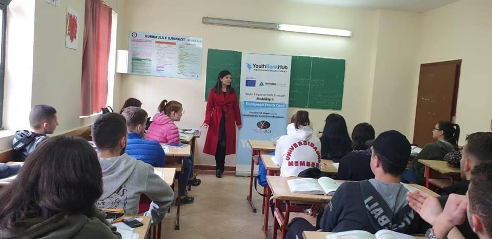 """Prezantim i projektit """"Fuqizimi i të Rinjve nëpërmjet Mobilitetit dhe Kartës Rinore Evropiane"""""""