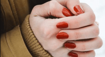 Οι πραγματικοί λόγοι που κάποιοι έχουν συνέχεια παγωμένα χέρια