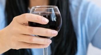 Καρκίνος δέρματος: Πόσο αυξάνεται ο κίνδυνος για κάθε αλκοολούχο ποτό που πίνετε