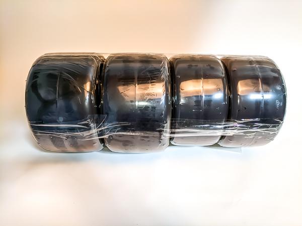 Vega VAH Tire Set