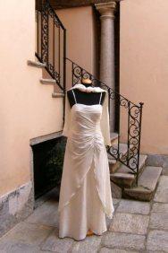 vestito da cerimonia bianco con perline e stola