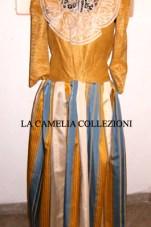 vestiti rinascimentali - vestiti stile 700 - vestiti in tessuto broccato - bicolore ocra e gonna rigata - la camelia collezioni