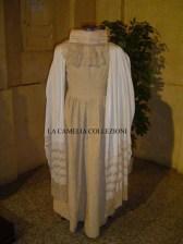 vestito da sposa con stola e pizzo - la camelia collezioni