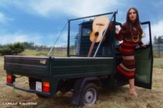 vestito autentico 1970, tipico modello di Sonia Rykiel in lana multicolore lavorata a strisce orizzontali