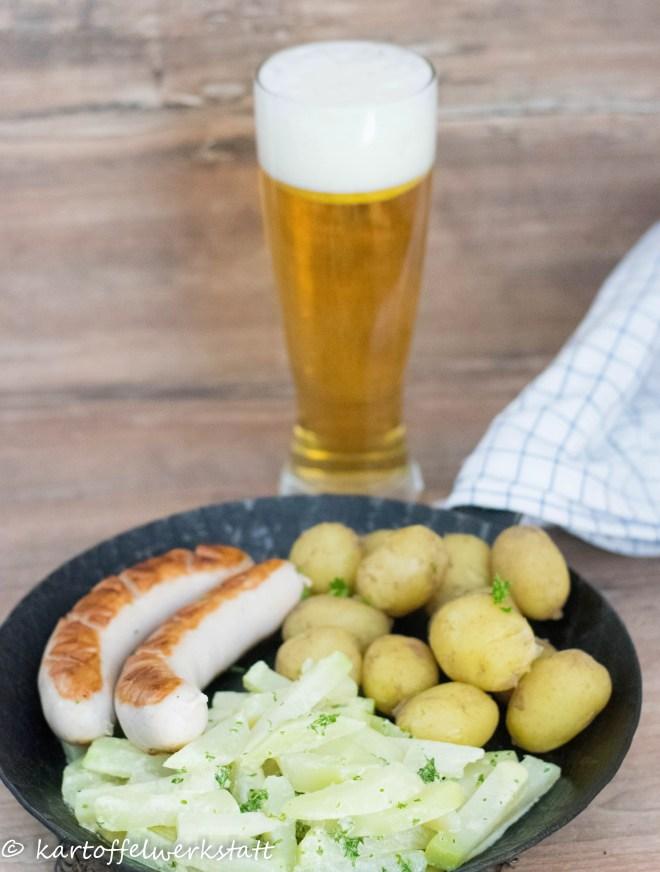 Bratwurst mit Kohlrabi und neuen Kartoffeln