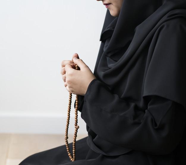 Tata Cara Sholat Tahajud dan Bacaannya - Kartun Muslimah