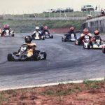 Liderando corrida em 1990